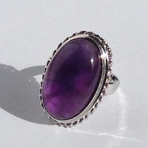 Jewelry - Vintage Cabochon Amethyst Ring in 18k Gold